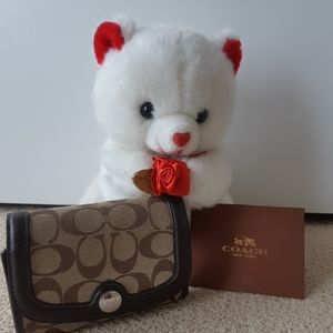 Accessories - Coach tri-fold wallet